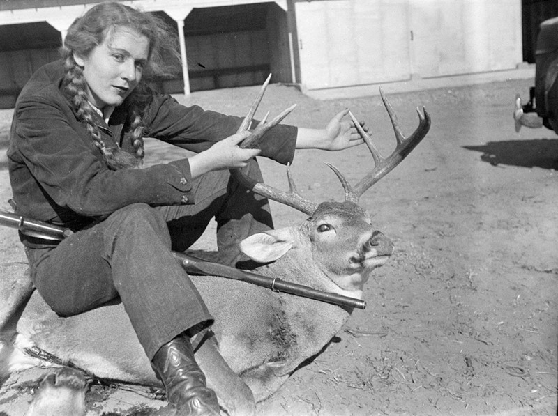 A young Lica East with her deer and a Mannlicher–Schönauer Model 1903.